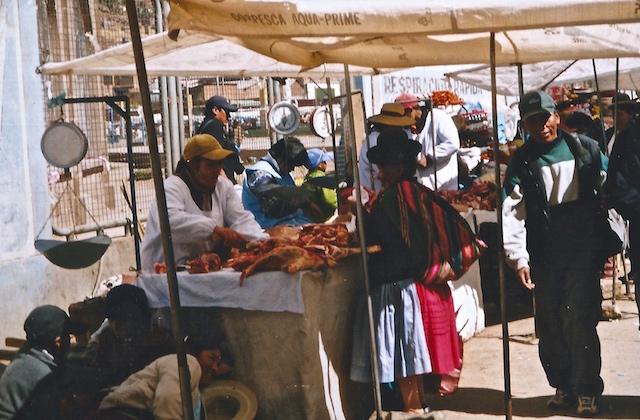 Mitten im Marktgeschehen in Bolivien.