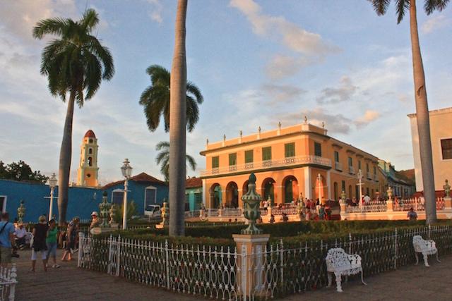 Die Plaza Mayor in Trinidad, Kuba.