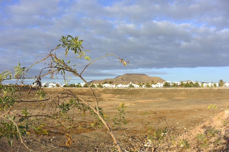 Fuerteventura ist eine karge Insel mit vielen Vulkanen.