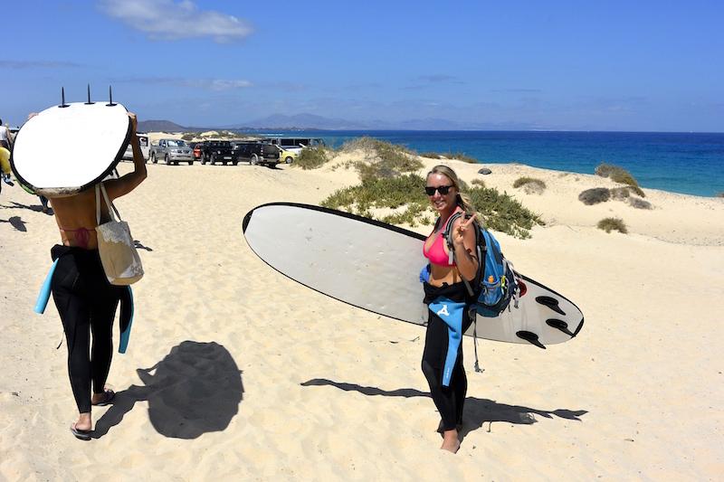 Die Vorfreude auf jede Surfstunde mit Planet Surfcamps ist gross.