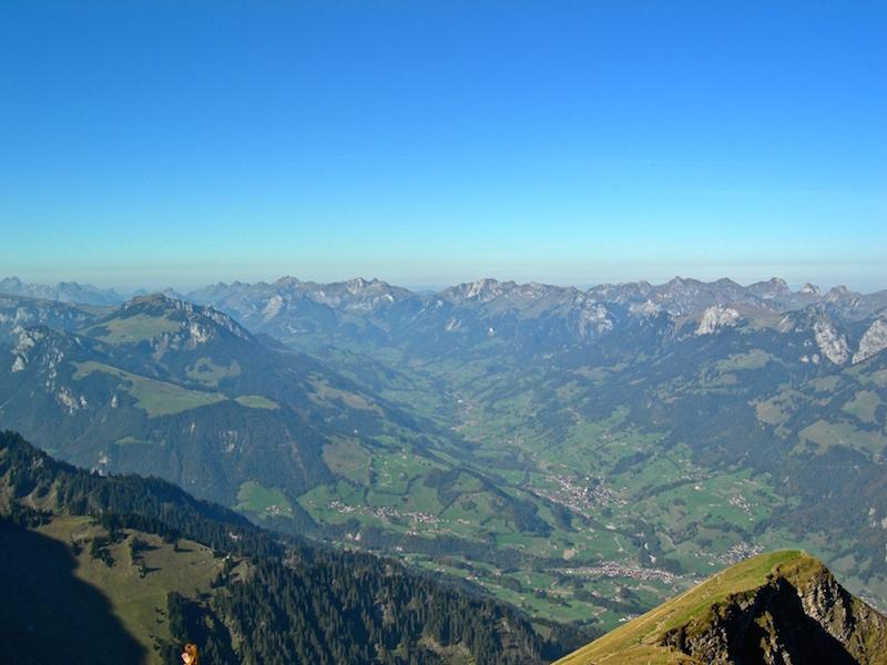Toller Rundumblick auf die Berner Alpen.