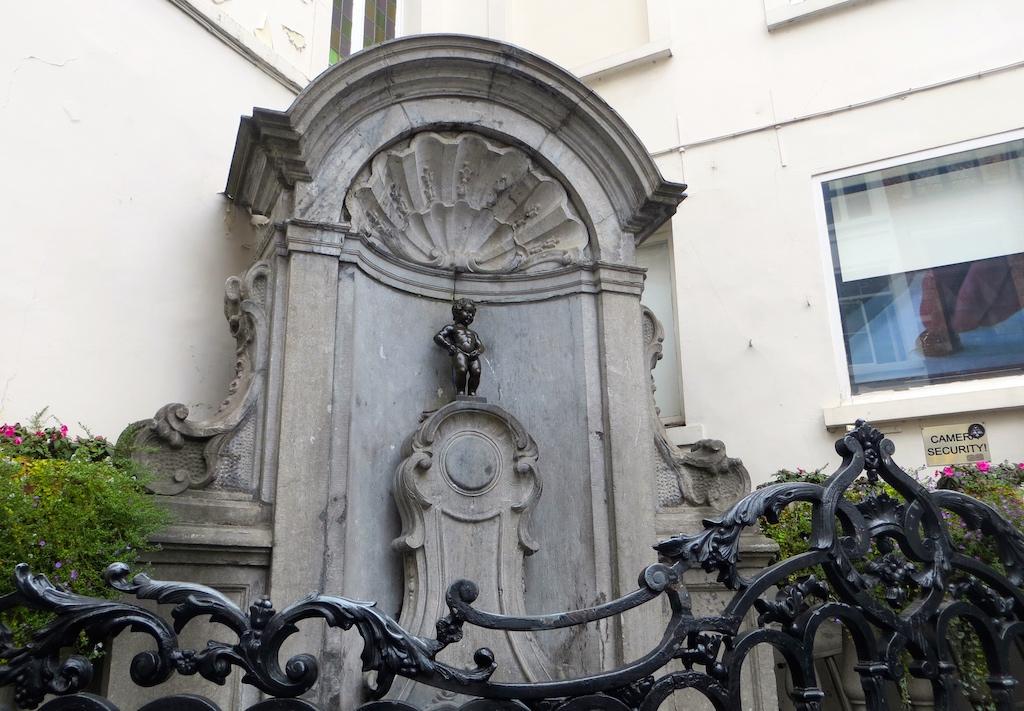Der Manneken Pis, das Wahrzeichen Brüssels.