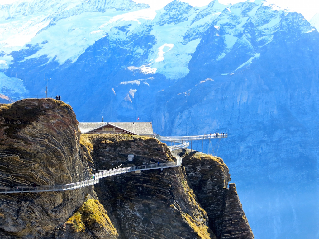 Der Cliff Walk auf der First in Grindelwald.