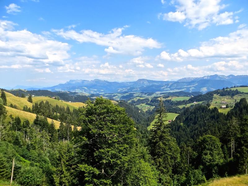 Wunderbare Aussichten auf die Berner Voralpen.