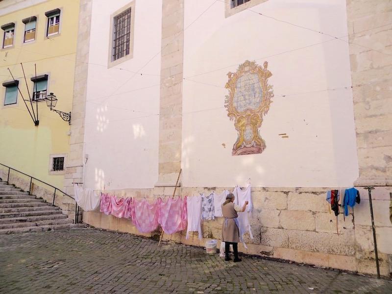Lissabon und Wäsche trocknen, das passt wohl irgendwie zusammen.