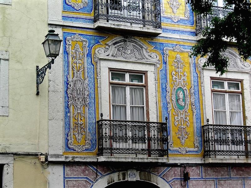 Die Architektur in Lissabon wird von den Azulejos dominiert.