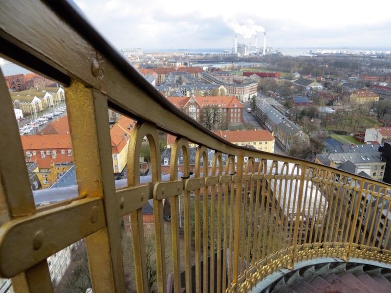 Beim Aufstieg auf den Glockenturm der Vor Frelsers Kirche gibt es alles....