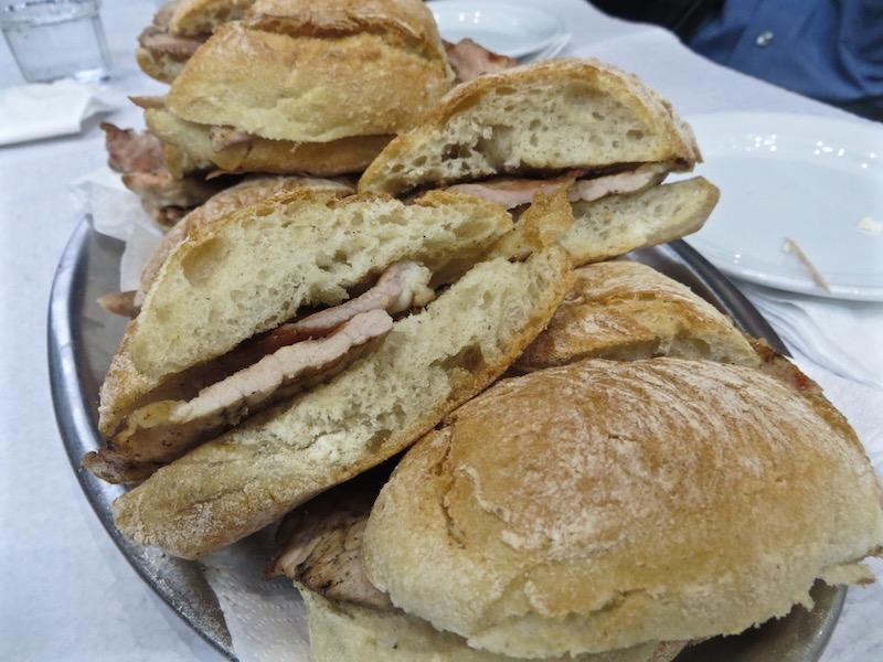 Das Bifana Sandwich aus Lissabon.