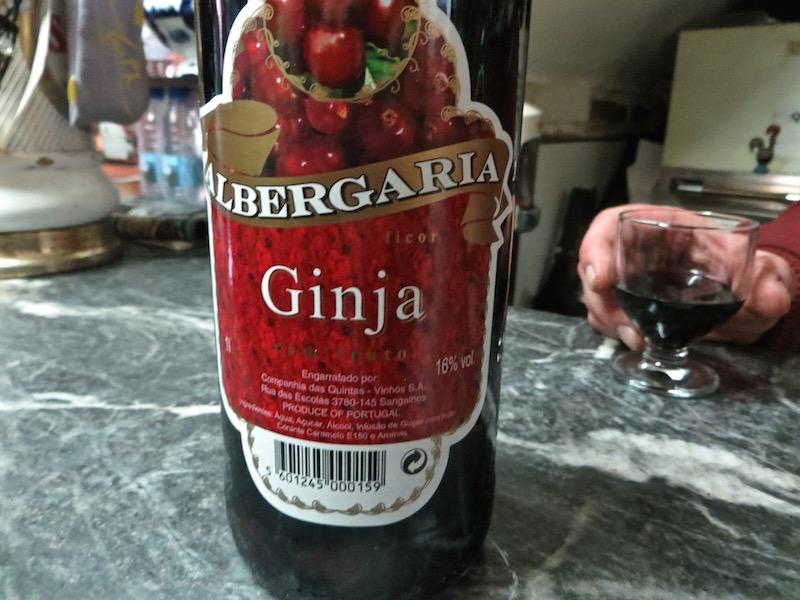 Der Ginjinha, oder auch Ginja genannt, ist süss und fruchtig.