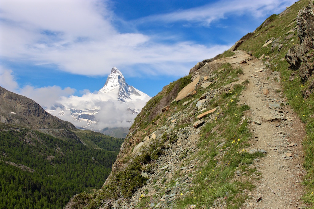 Unterwegs zum Grindjisee in Zermatt.