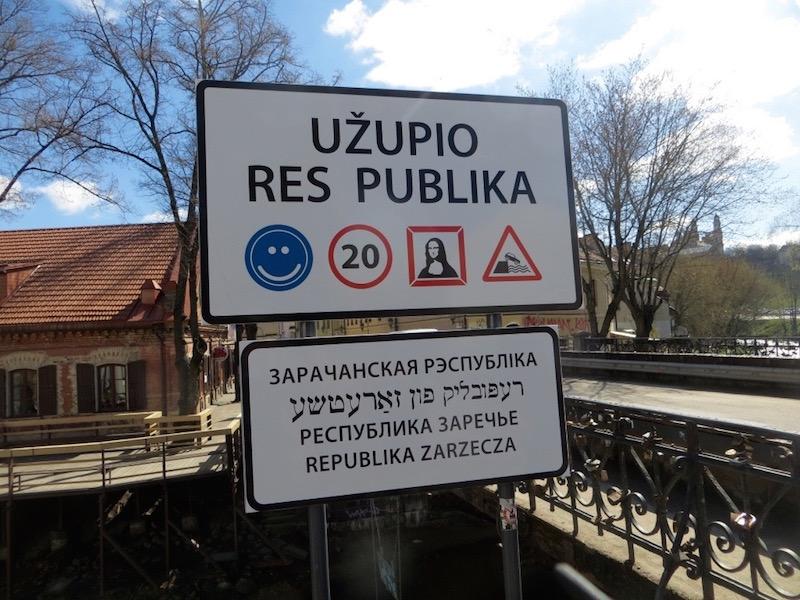 Willkommen in Uzupis - oder auch Uzupio genannt.