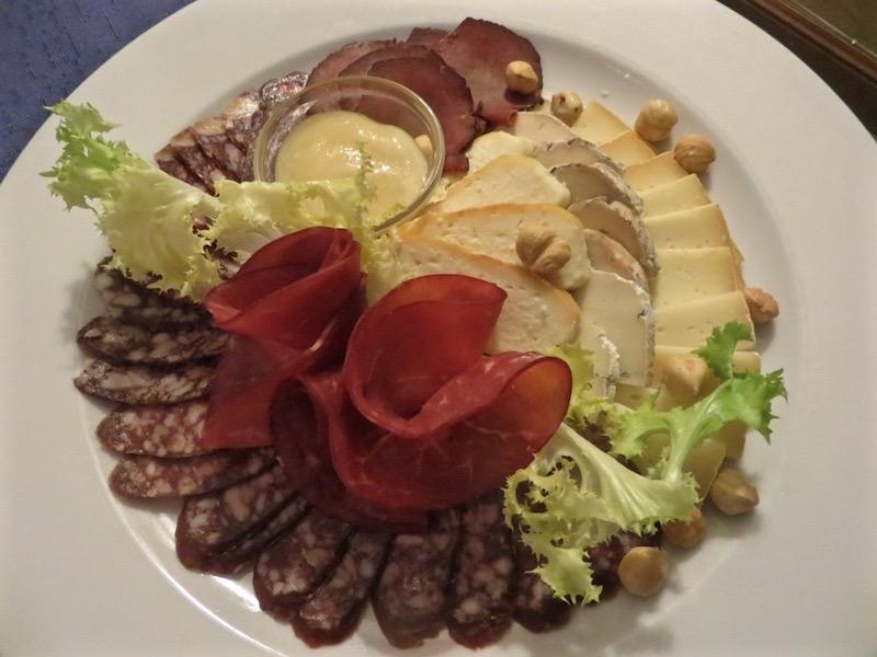 Fleisch und Käse ist in Litauens Küche immer präsent.